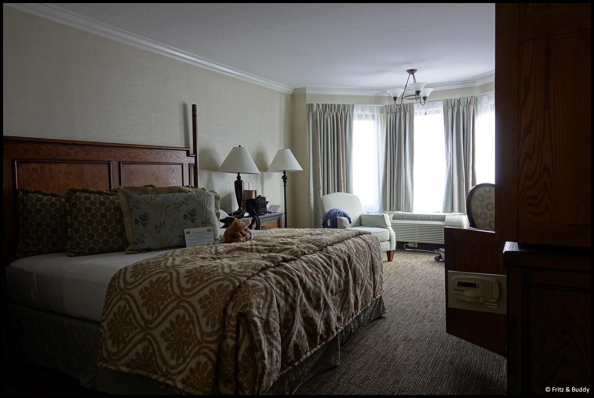san francisco chelsea inn. Black Bedroom Furniture Sets. Home Design Ideas